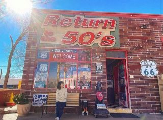 Thanks to 📸 @i_bestbass for sharing this colorful photo at Route 66 from our 2 Day Grand Canyon Antelope Canyon Tour. .....#route66 #maxtourvegas #route66arizona #seligmanroute66 #arizona🌵 #arizona