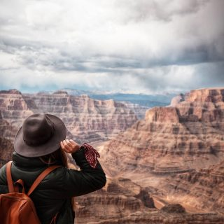 We had a blast hosting Cassie from @cassiescompass on our Grand Canyon West Day Tour! She got some fantastic photos during the tour, we will share some over the next few months. . . . . . . #grandcanyonwest #grandcanyonwestrim #cassiescompass #maxtourvegas #colorodoriver #grandcanyon #travelphotography #travelblogger #traveltheworld #travelandlife #travelgram  #大峽谷 #科羅拉多大峽谷