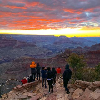 It takes the right amount of clouds to create the perfect conditions for an epic sunrise at the Grand Canyon. This day had just that! See the sunrise over the Grand Canyon on our Grand Canyon Antelope Canyon 2 Day Sunrise tour, reopening in September.  . . . . . . #grandcanyonsunrise #grandcanyonnationalpark #grandcanyonnps #maxtourvegas #sunrisephotography #sunriseoftheday #sunrise #travelbuddy #travelcommunity #travelarizona #travelanddestinations #科羅拉多大峽谷 #大峽谷
