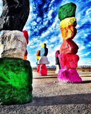 I love these rocks!   #rocks #vegasrocks #brightcolors #vegas #maxtourvegas #vegassights #vegaslife #vegascouple #vegasviews #vegasart #lasvegasnevada #lasvegaslife #lasvegasphotographer #lasvegasliving #lasvegasnv