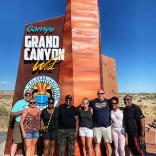 Another fantastic small group tour to the Grand Canyon! . . . . . . #grandcanyon #lasvegastograndcanyon #grandcanyontour #grandcanyonwest #maxtourvegas #grandcanyonskywalk #smallgrouptourstograndcanyon #美國大峽谷