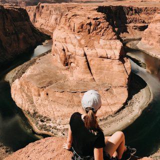 Take me back ✨#tbt #holiday #unitedstates #page #arizona #grandcanyon #horseshoebend #lowerantelopecanyon #maxtours #vacation #couple #love #best #happy #carmushkapresets #maxtourvegas maxtourvegas