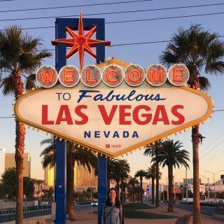 Welcome to Fabulous Las Vegas#welcome #welcometofabulousLV #abfab #sign #Vegas #LasVegas #LV #Nevada #travel #travelling #tourist #USA #🇺🇸 #maxtourvegas maxtourvegas